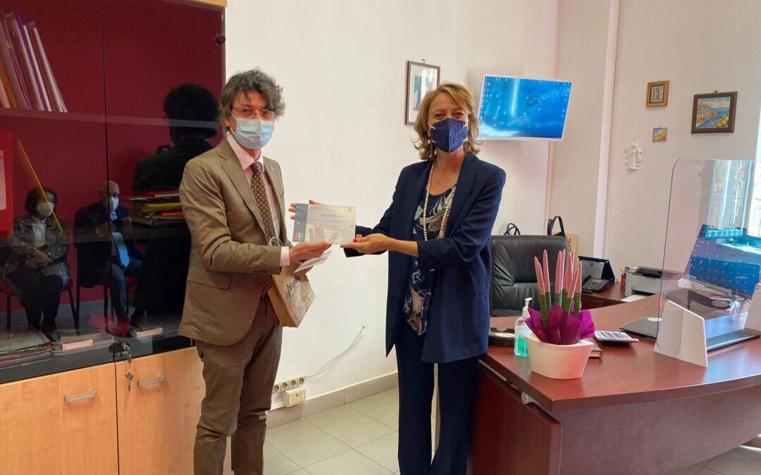 Cerimonia di consegna con il Rotary Club Salerno Est